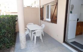 3 pièces 4 à 6 couchages en rez-de-chaussée dans résidence en accès direct plage avec piscine.