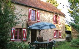 La Maison Roux - vacances ensoleillées près des Gorges de la Sioule - Servant