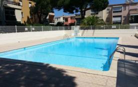 Appartement 4 couchages climatisé dans résidence avec piscine.