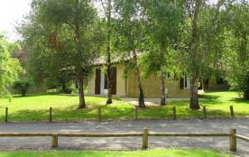 LGCAS01- N°7 - Village Gites Communaux - 4 pers - Piscine -CASSENEUIL