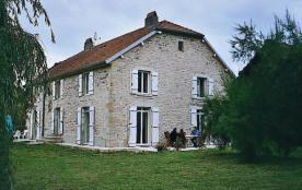 Dans un cadre verdoyant , Gîte très confortable  dans une charmante maison de maître - Parnoy-en-Bassigny