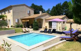 La maison de vacances Carpe Diem avec piscine privée est certainement un joyau au cœur de la Prov...