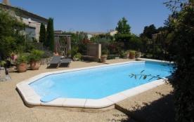 Provence gite 2 personnes avec piscine - Rognonas