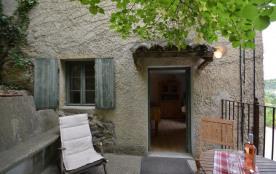 Gîtes de France - Avec belle vue, partie de ferme du XIXe siècle rénovée en 2005 avec belle pisci...
