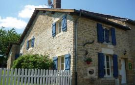 Gîte La Salamandre à Montigny-sur-Vence - à 20 km de Charleville-Mézières. Maison de caractère en...