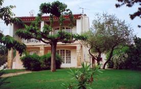 Les Pieds Jauffrets - Sur les hauteurs du village, dans un cadre agréable, au calme, maison conte...