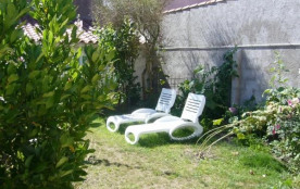 Mignonne petite MAISON de ville tout confort, entièrement rénovée, avec jardin :