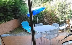 jardin et terrasse vu du séjour