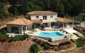 Studio dans villa neuve village de La Motte - département du Var - Provence