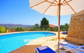 Villa Ol Li. Impressionnante villa de constrution récente avec vues panoramiques sur la mer et la...