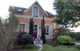 Charmante maison à 20 minutes de Paris - Le Mesnil-le-Roi