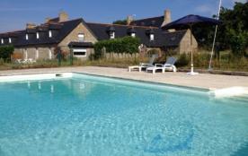 Gîte en finistère sud avec piscines au calme absolu à 400 mètres de la mer - Tregunc