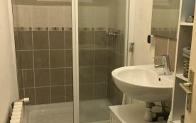 Salle de bain avec douche 120 sur 80cm