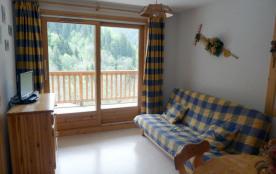 2 pièces cabine et coin montagne fermé avec fenêtre intérieure.