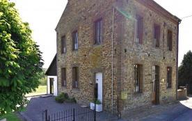 Gîte L'Escaille à Brognon - à 45 km de Charleville-mezieres Maison indépendante.