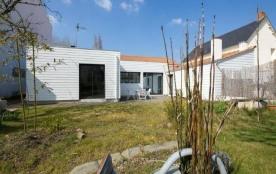 FR-1-310-19 - La vie de village