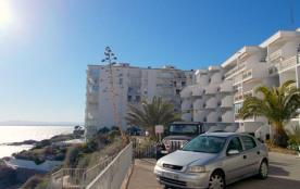 Appartement F2 avec parking et piscine 1ere ligne de mer sur Canyelles Petites