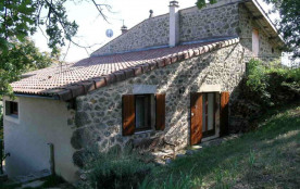 Gîtes Le Bec - Gîte en pierre aménagé au dos de notre habitation, sur le plateau du Haut Pays de ...