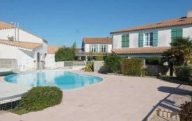 Appartement 2 pièces dans résidence avec piscine.