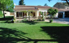 Villa à MONTAREN ET SAINT MEDIERS