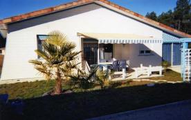 Charmante maison bois de vacances proche Mimizan à Sainte Eulalie en Born 40200 avec piscine hors sol
