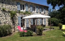Gites de France 9 personnes 4 chambres 3 épis 3 étoiles près du Puy du Fou, du Futoroscope et Bressuire
