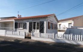 FR-1-194-127 - Rez de chaussée surélevé d'une maison au centre de la Tranche et 50 m de l'accès p...