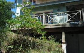 Villa contemporaine avec vue océan située à 300 m océan et du lac, 2500 m du centre.