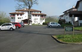 Beau T2 avec terrasse proche services à Cambo-Les-Bains (Classement 3 ***)