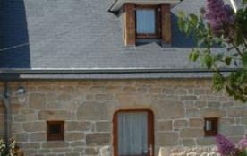 Petite maison en pierres