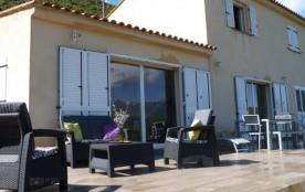 Villa au calme dans l'extrême  sud de la Corse  proche Porto-Vecchio et Bonifacio  proche des plages et de la montagne.