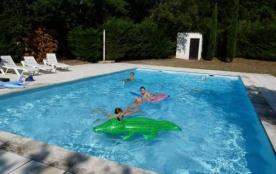 Vaucluse, LA ROQUE SUR PERNES Belle villa, piscine privée 11 x 6m, pour 12 personnes