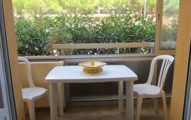 Résidence Côte d'Azur 1 - Appartement T2 situé près de la plage de la Favière et des commerces.