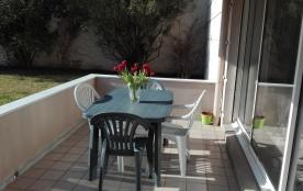 un vrai régal de prendre petit déj ou ses repas sur cette terrasse