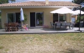 Grande villa neuve bord de plage avec jardin privatif 600m2 et terrasse bois 70m2 4 chbres 2 sdb et 2 WC séparés