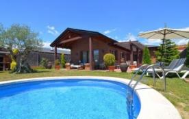 Villa CV Privi - Belle villa située dans l'urbanisation Els Salzes de Vidreres à environ 12 km de...