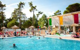 Camping 4* Signol -CHALET 6 personnes - EMERAUDE 2 chambres+ TV (WC dans la salle de bain) (entre...