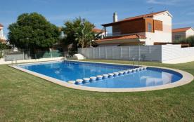 Belle petite Villa, avec jardin et terrasse, dans una résidence avec piscine et jardin, Peñiscola