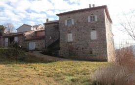 Petit village (pont et château classés) en bordure du Chassezac, rivière très agréable pour ses n...