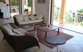 Très belle villa avec piscine privée Vue mer panoramique Plages à pied Sainte-Maxime, Ref F301