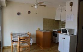 Appartement studio avec loggia de 20 m² environ pour 4 personnes situé dans le quartier résidenti...