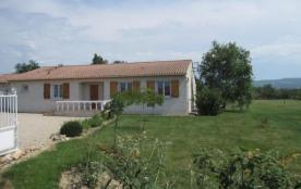 Maison indépendante de plain pied sur terrain de 4000 m². Abbaye de Sorèze à 15 km. Lac de St Fer...