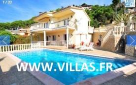 Villa CV Tatia - A 2 km de la plage, cette belle villa est de bon confort avec piscine privée et ...