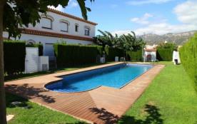 C01 MAGRA5 adosado con jardín privado y piscina