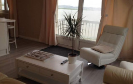 le salon avec le balcon