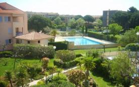 Appartement de 53 m² avec garage à Fréjus (Var), gardien, piscine, 2 tennis,  Port Fréjus et Plages à 2kms.
