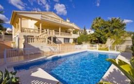 Villa OL Caly - Villa moderne et élégante, entièrement équipée, située dans un endroit privilégié...