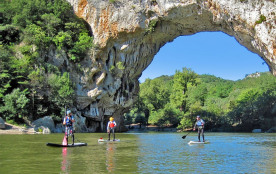 Paddle sous le Pont d'Arc