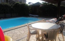 Villa 8 p, idéale familles, piscine chauffées, sit. centrale