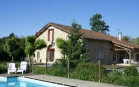 Ferme pour 32 personnes avec piscine en Gironde - Blaignac